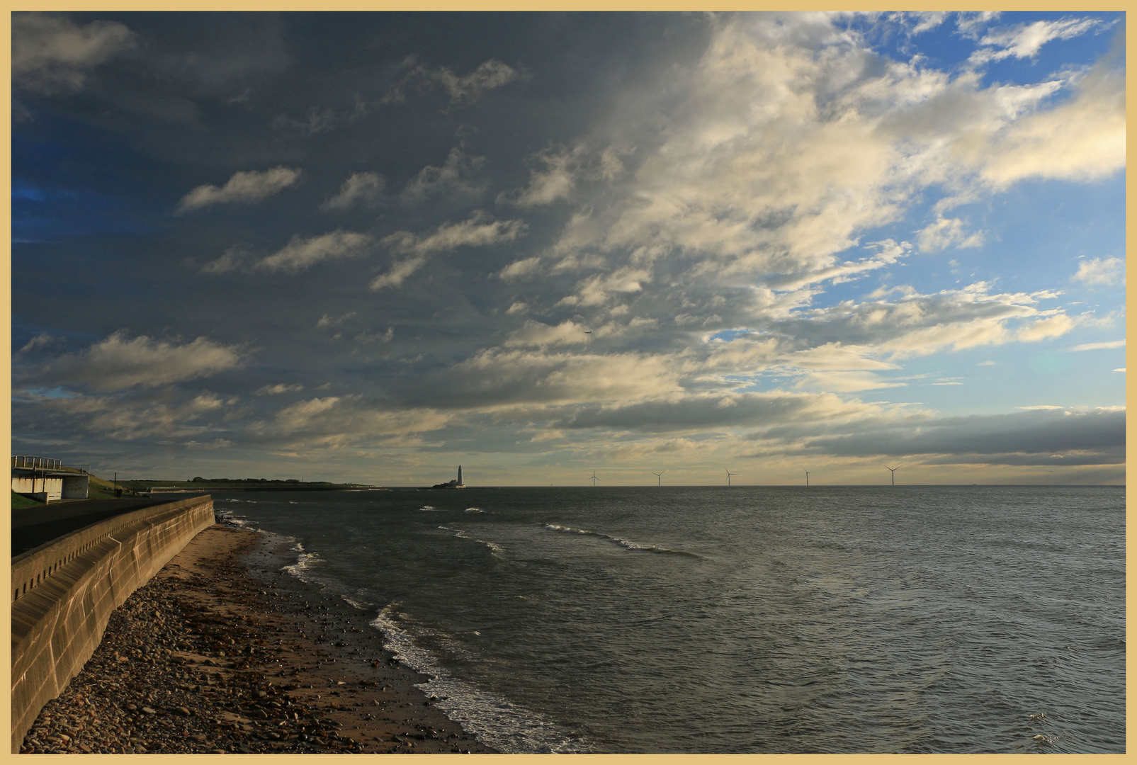 looking towards st marys lighthouse early morning
