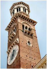 L`orlogio della torre a Verona