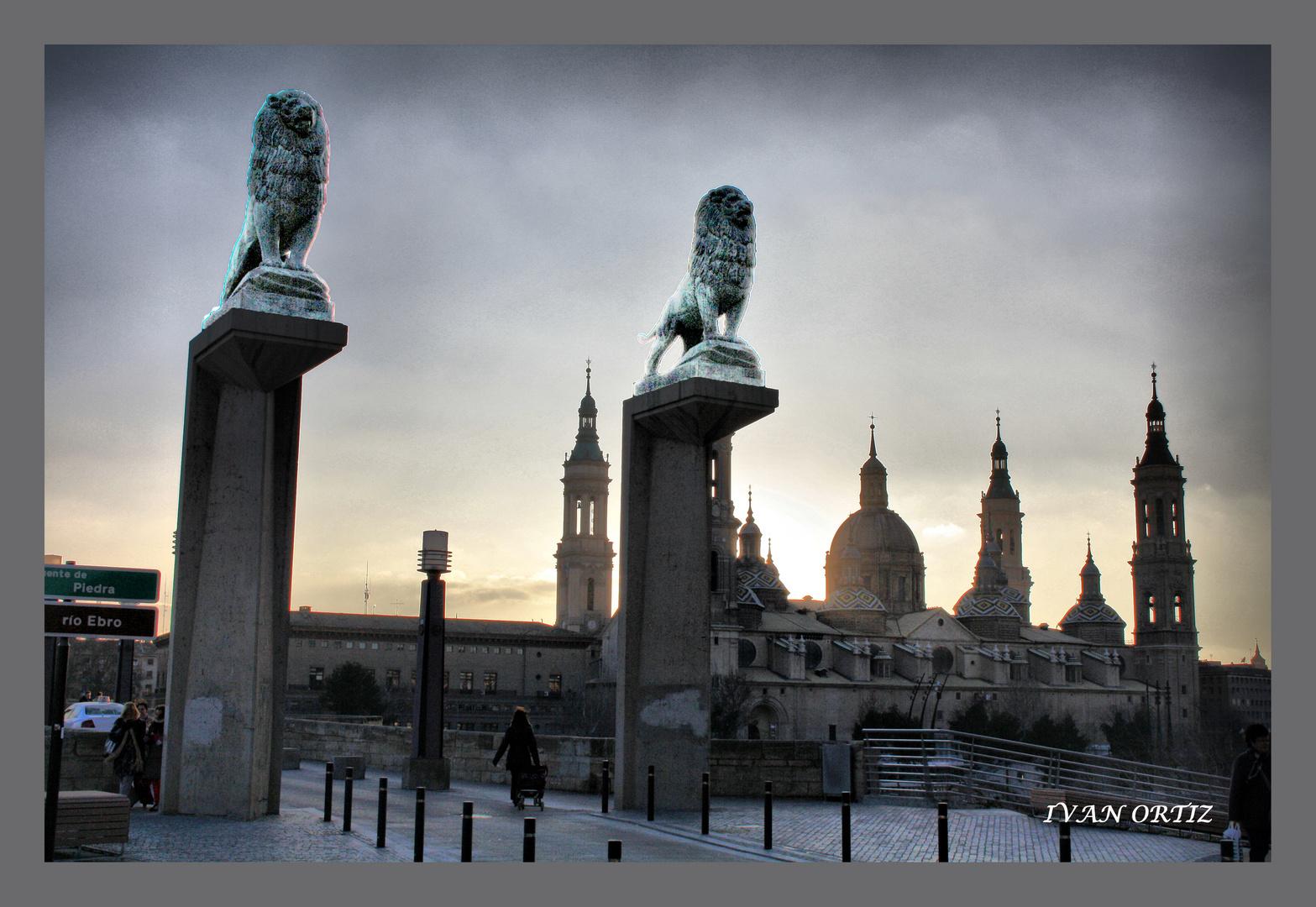Los Guardianes del Pilar