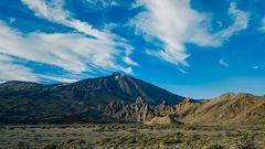 Los Roques de García und der Teide