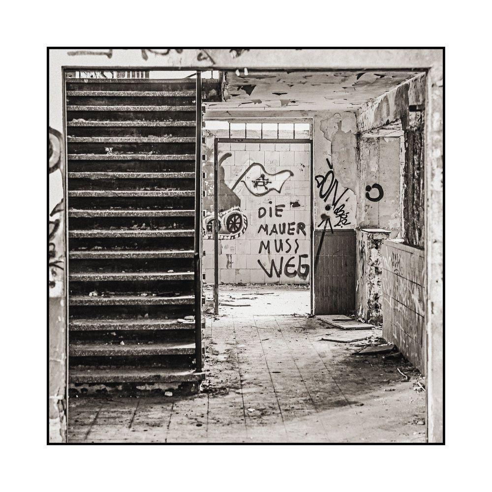 Lost Place - Das Problem mit der Mauer