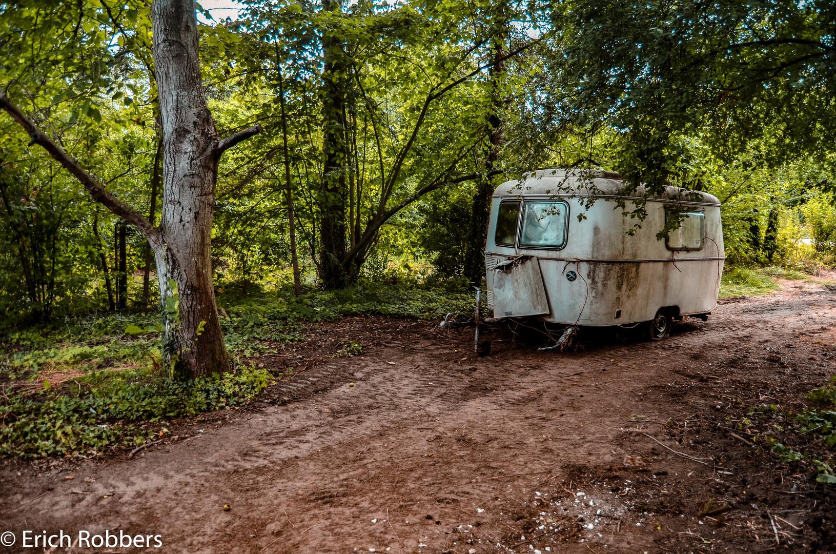 Lost Place:  Wohnwagen