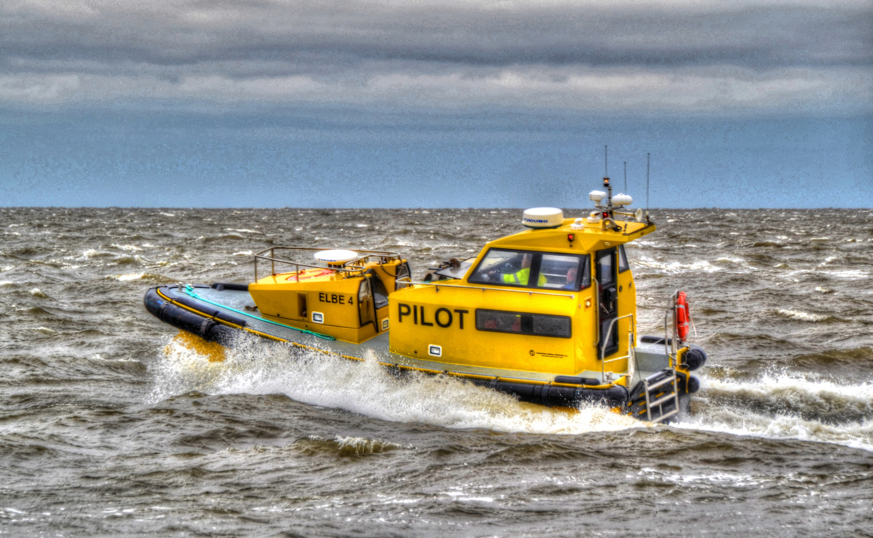 Lotsenboot Elbe 4 vor Cuxhaven