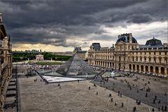 Louvre dramatisch