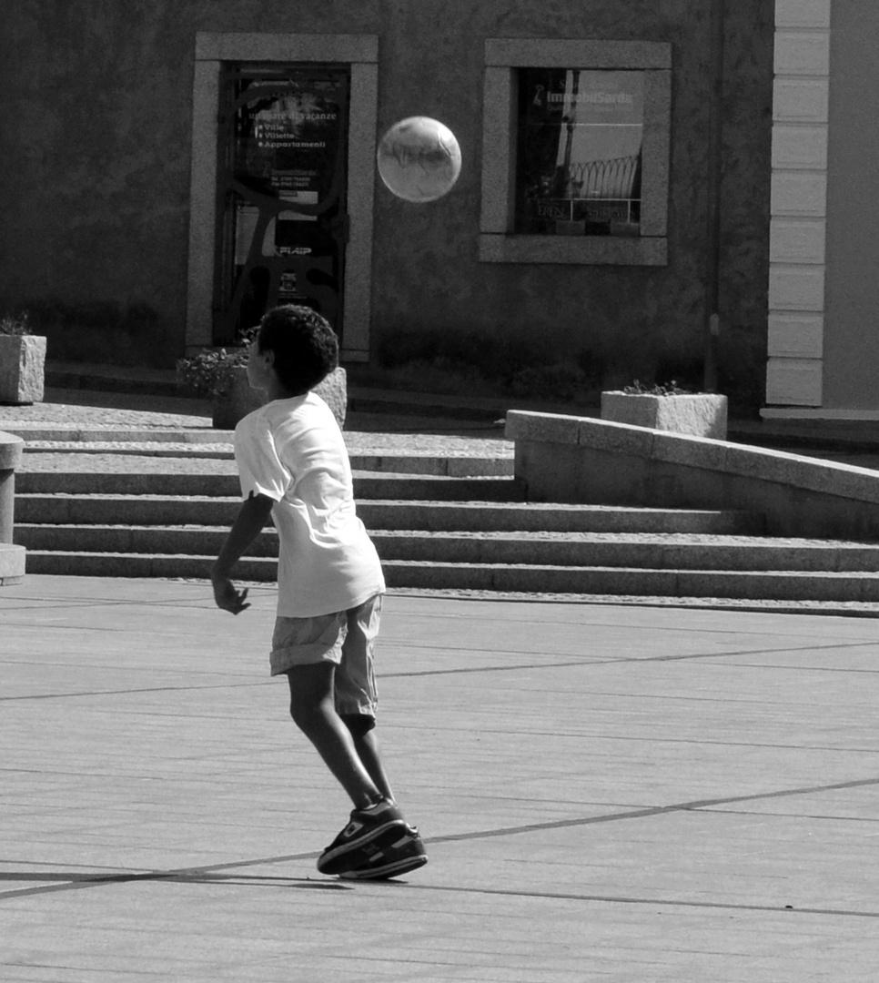 love football, play football
