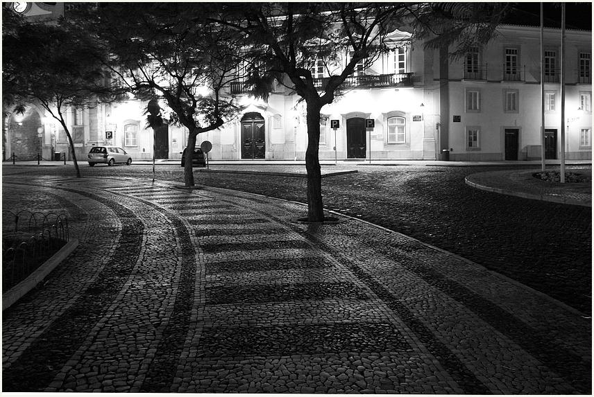 Low lights & empty streets