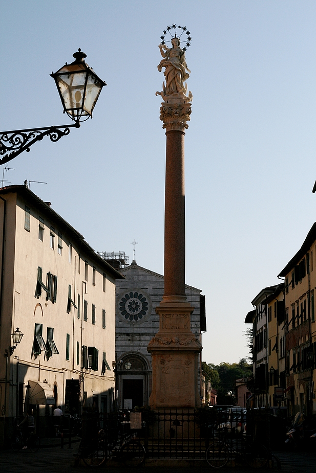 Lucca- Piazza S. Maria