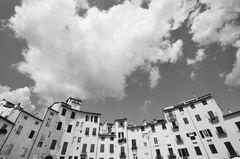 Lucca und die Wolken