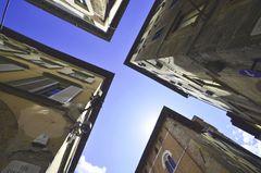 Lucca von unten nach oben