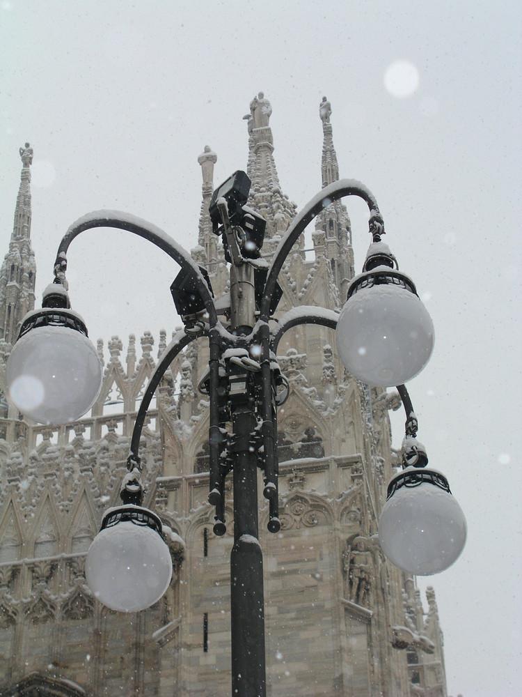 luce e neve di alessandra veloce