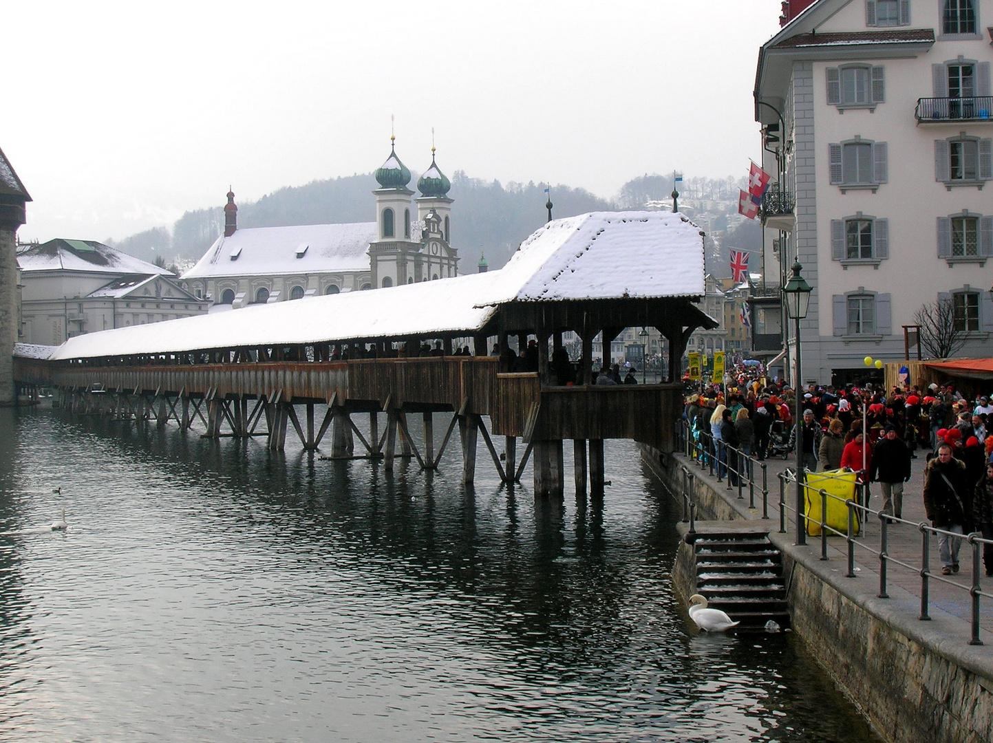 Lucerna: ponte.
