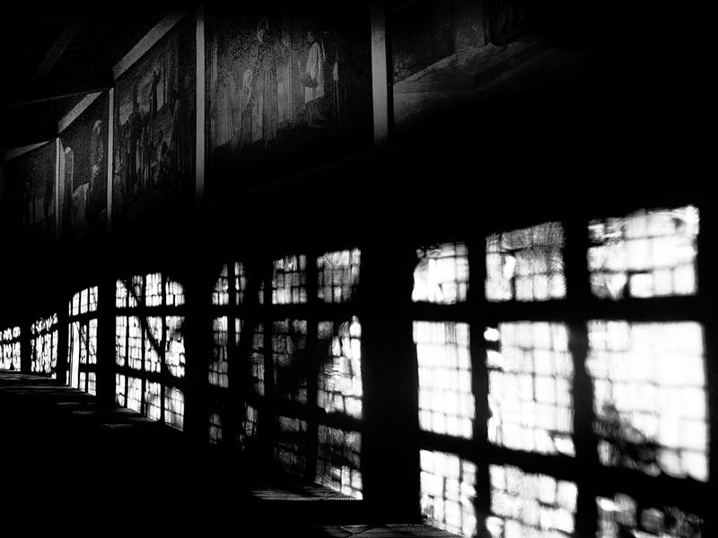 Luci ed ombre nel chiostro