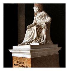 Ludwigs Denkmal in der von ihm errichteten Walhalla