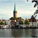 Lübeck - An der Obertrave - Straße und Fluß