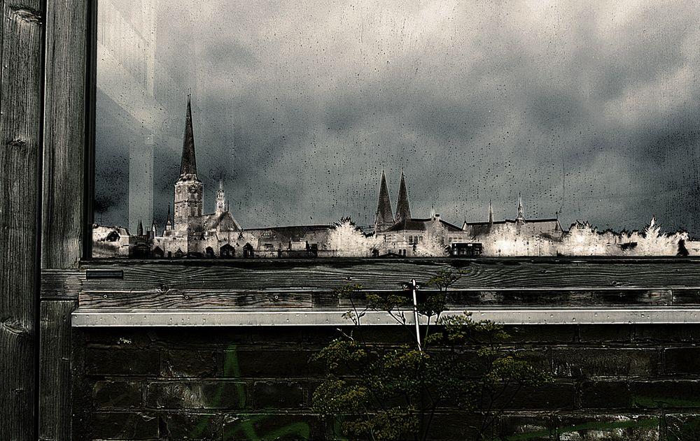 Lübeck den Rücken zugewandt...