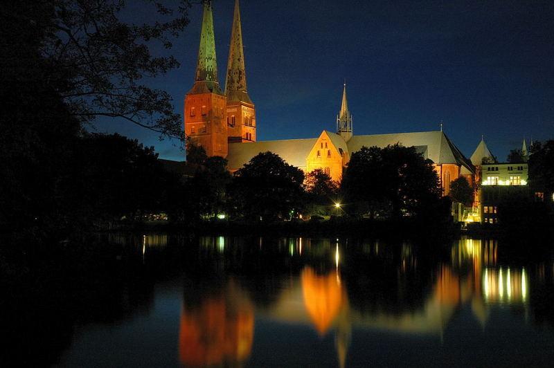 Lübecker Dom gestern Abend 5.