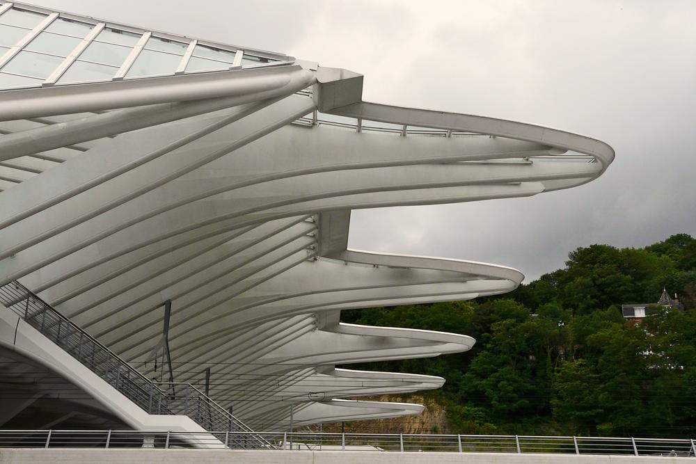 Lüttich - Bahnhof - Seitenansicht