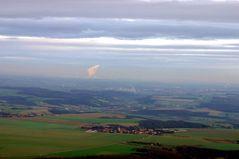 Luftbild mit Fernsicht auf Leipzig