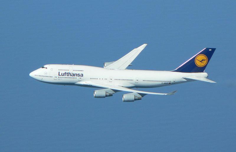 Lufthansa 498