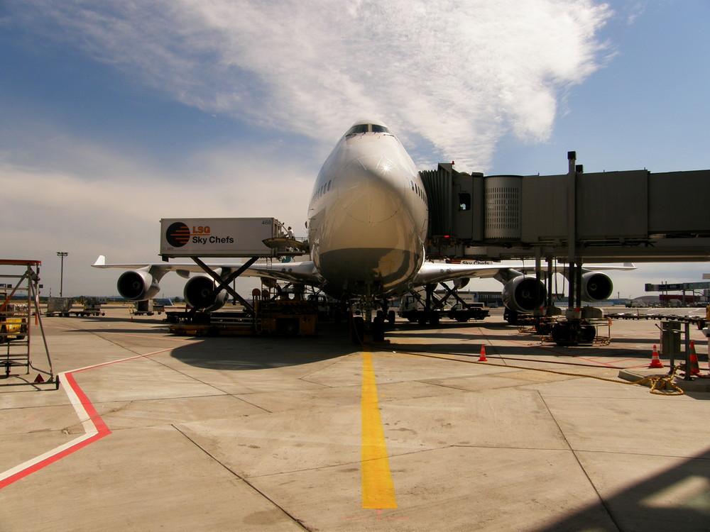 Lufthansa 747-400 am Frankfurter Flughafen