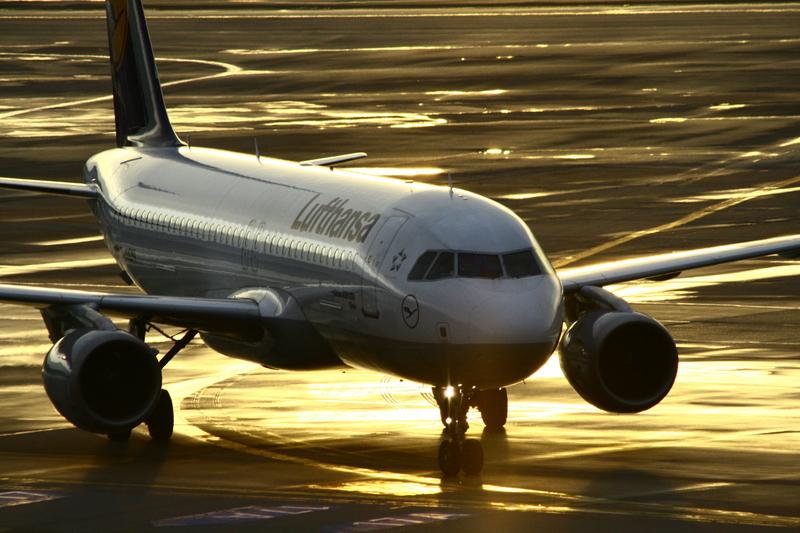 Lufthansa A320 - vergoldet! / Lufthansa A320 - dorado!
