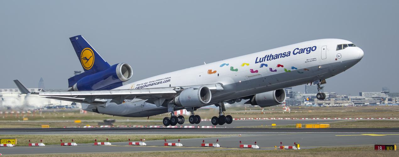 Lufthansa Cargo  ( Step by Step )