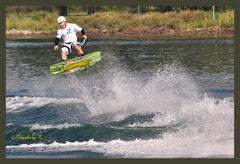 Luftsprung - Wakeboard-Meisterschaft
