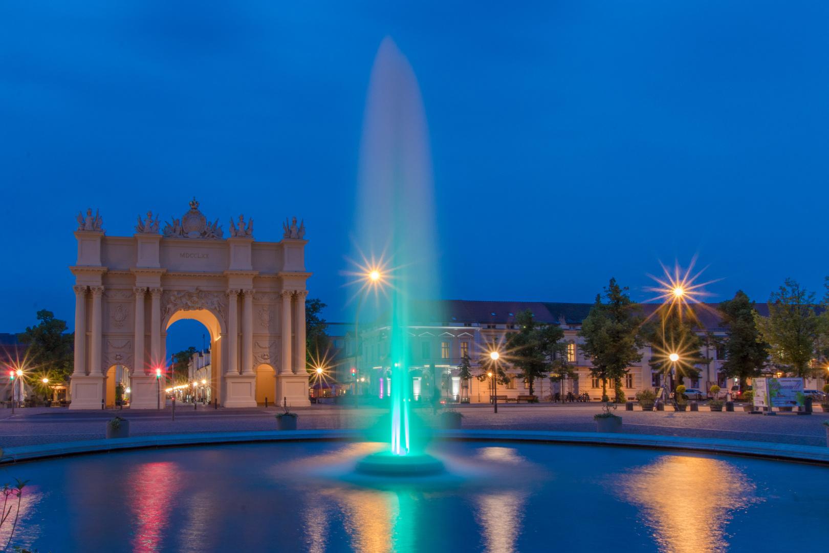 Luisenplatz in Potsdam zur blauen Stunde