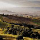 Lumière crépusculaire sur la campagne toscane