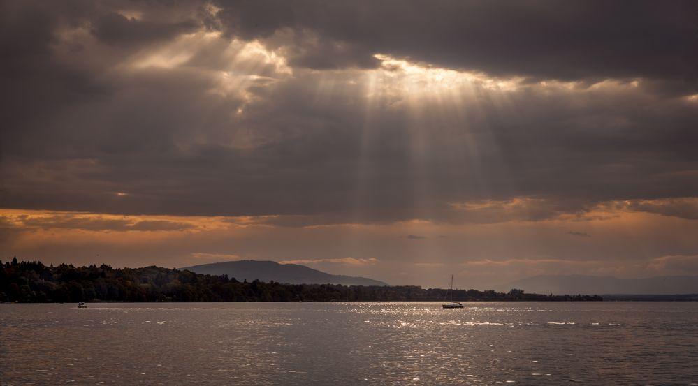 Lumière divine sur le lac Léman