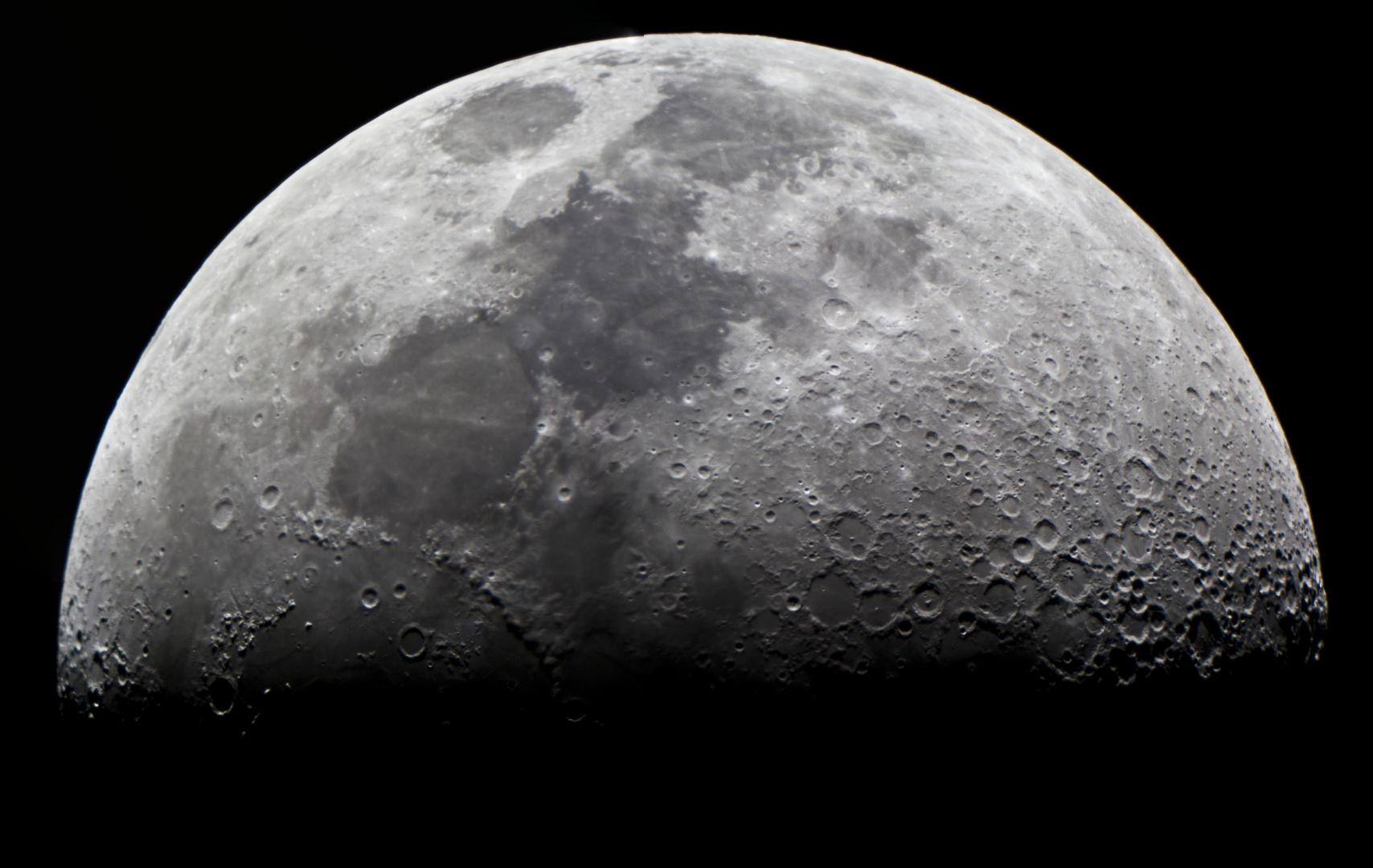 Luna 11 de abril 2011