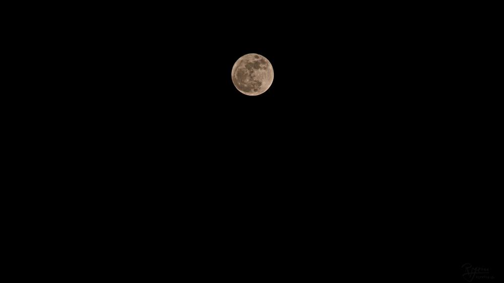 Luna ...