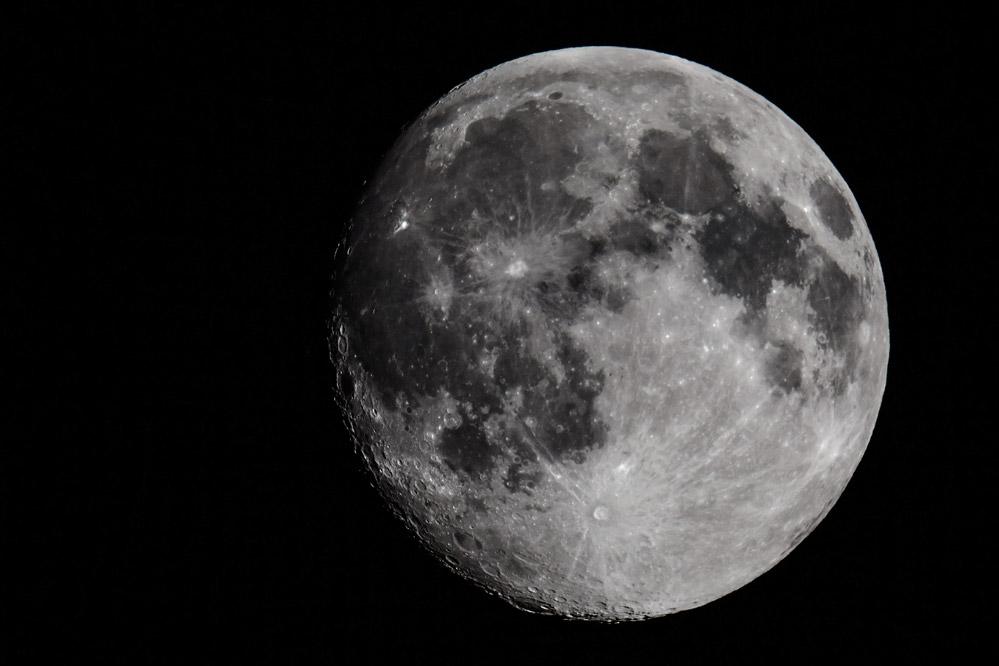 Luna - fast Vollmond (am 31.07.2015)