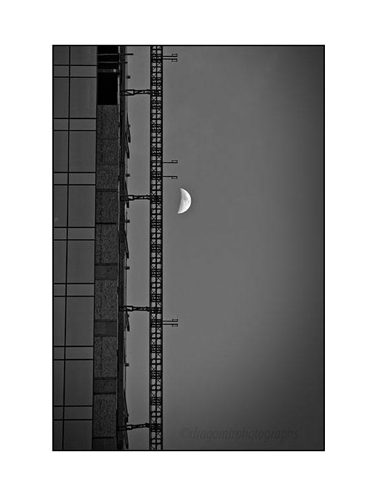 Luna In 3