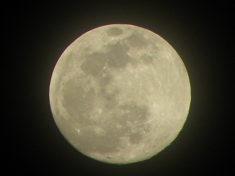 Luna llena de año nuevo