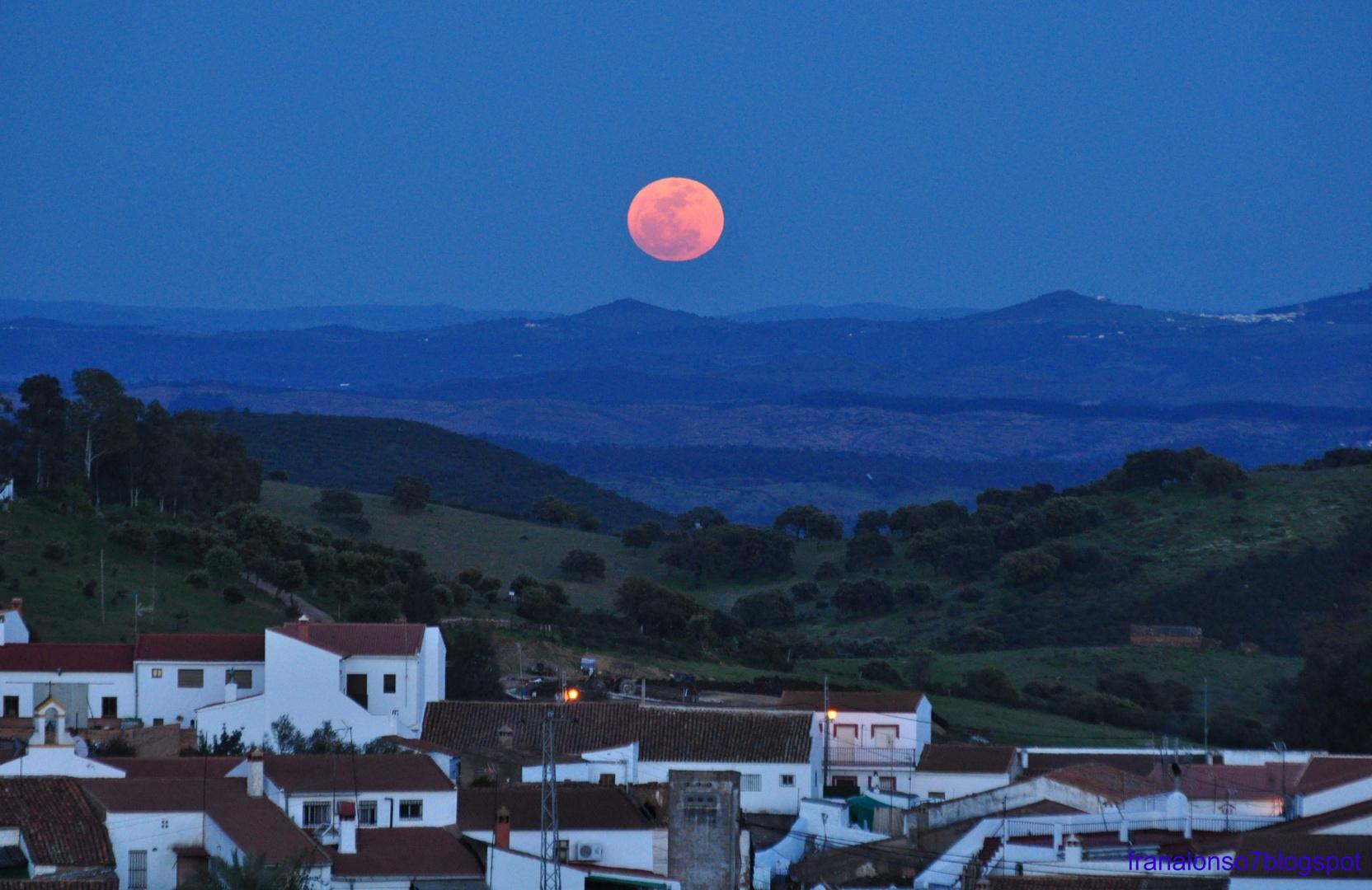 Luna Llena Montes de San Benito¡Cerro de Andevalo...Huelva