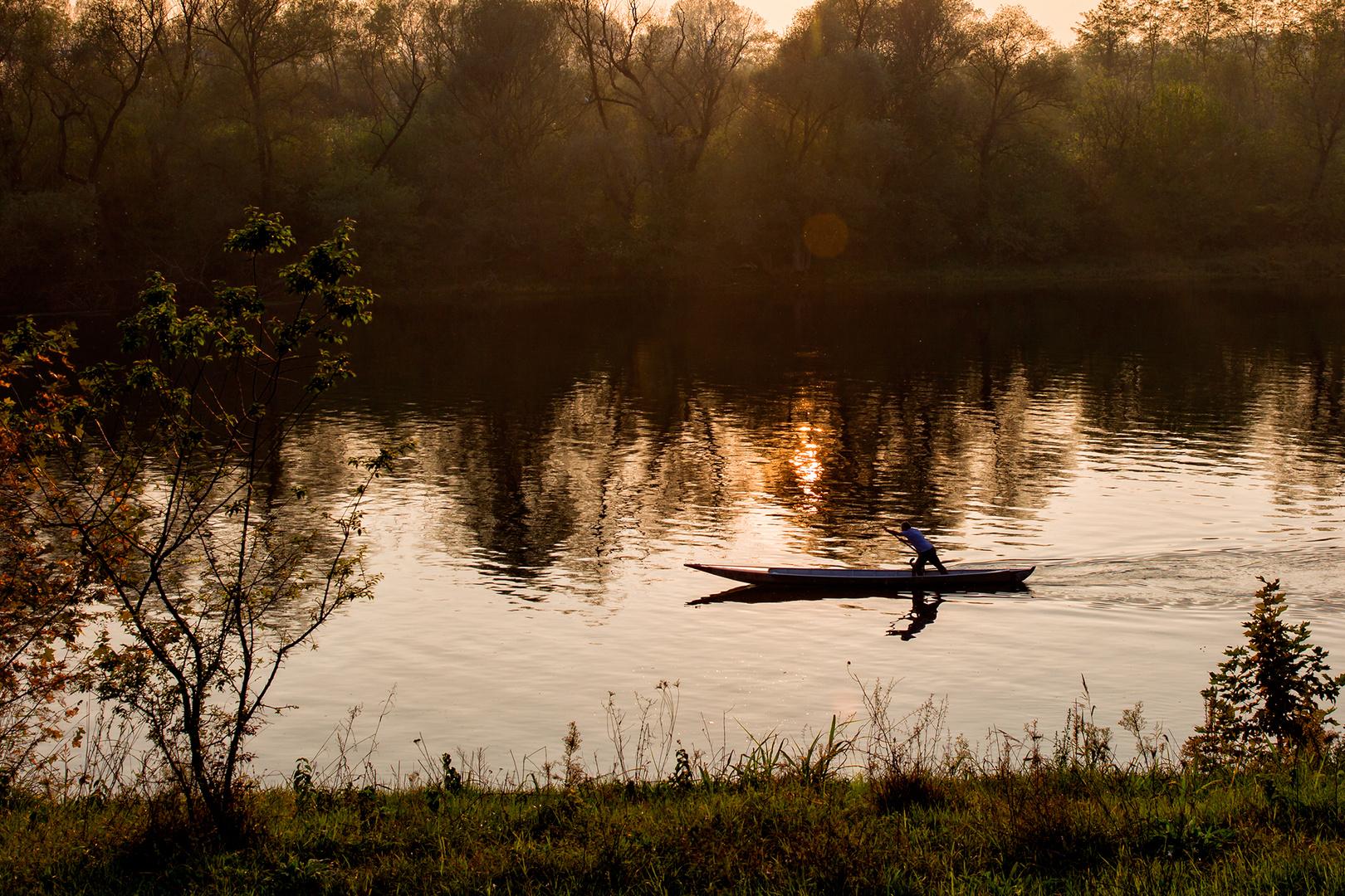 lungo il fiume, il barcaiolo