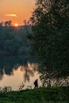 lungo il fiume, il pescatore