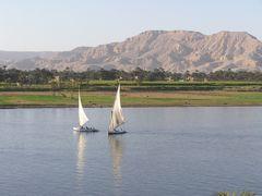 Luxor mit Blick auf das Tal der Könige