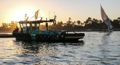 Luxor Nil sunset Schlepper