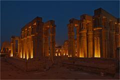 Luxors Tempel zur blauen Stunde