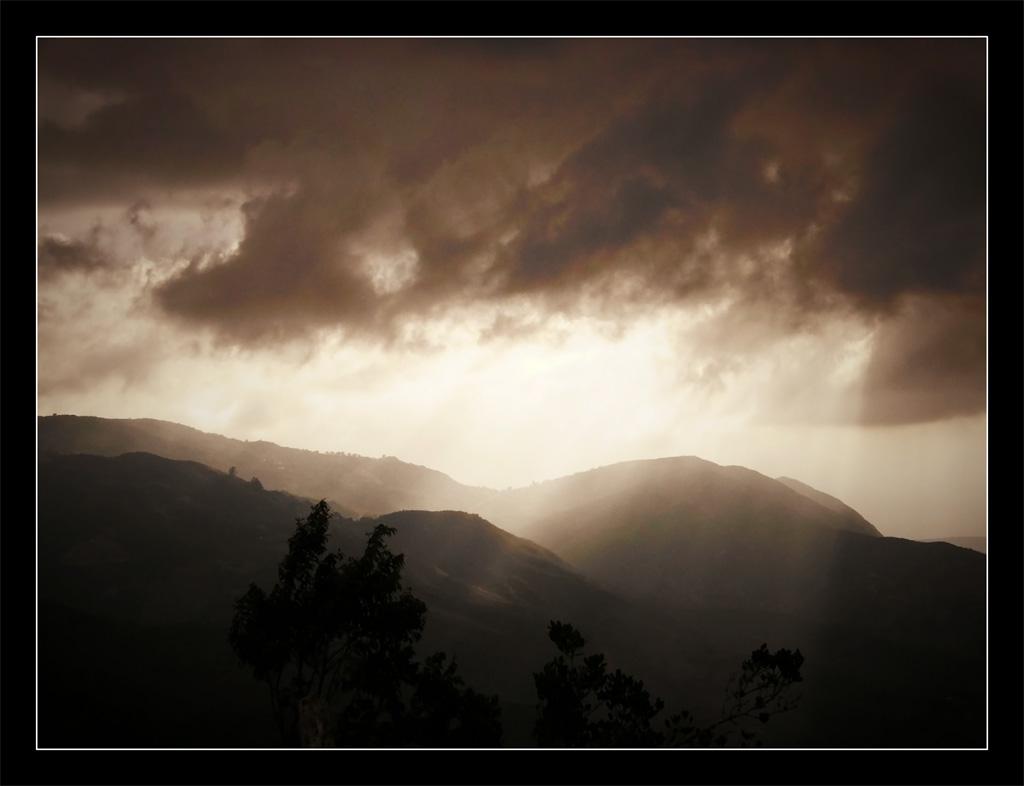 Luz sobre la montaña