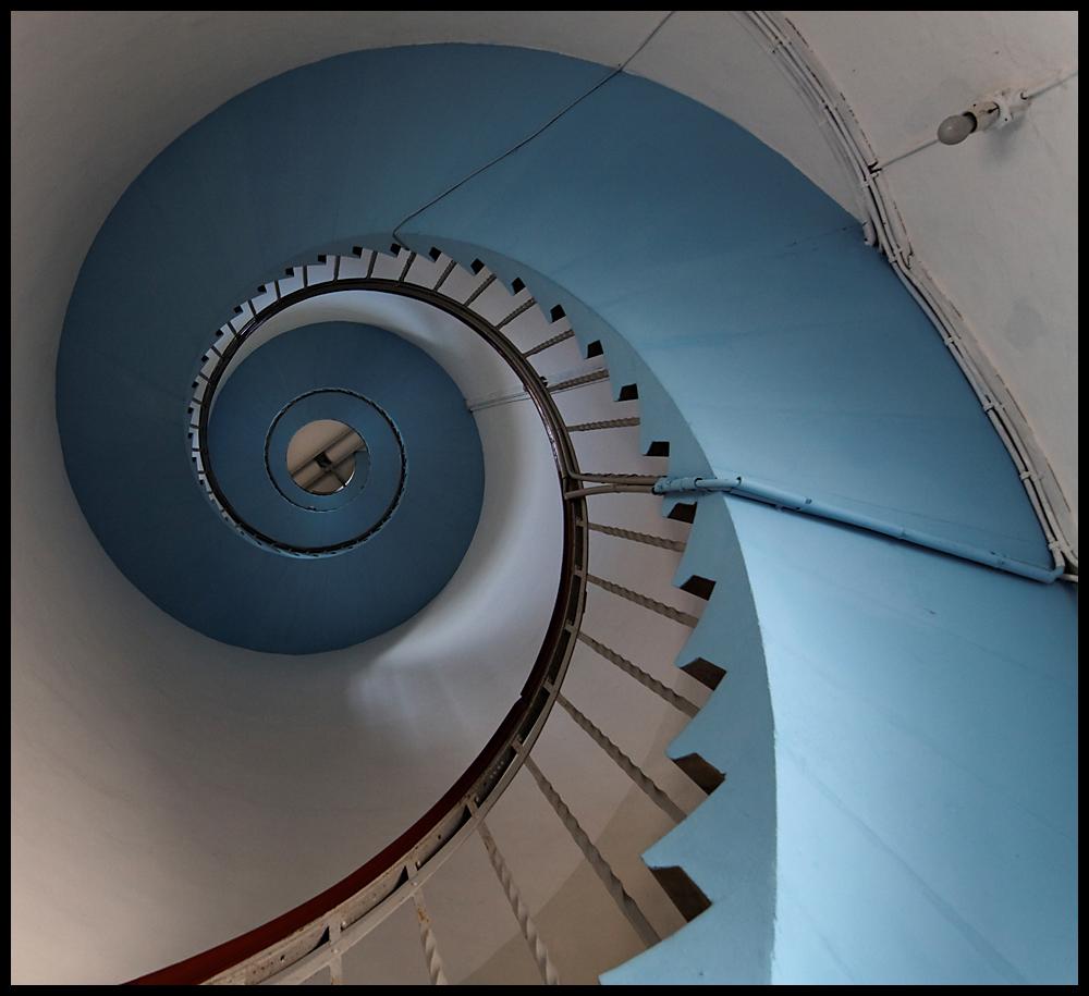 Lyngvig Fyr - Treppenhaus innen von unten