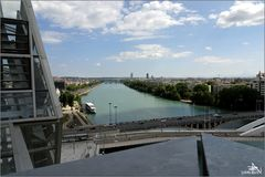Lyon - Vue sur le Rhône et la ville