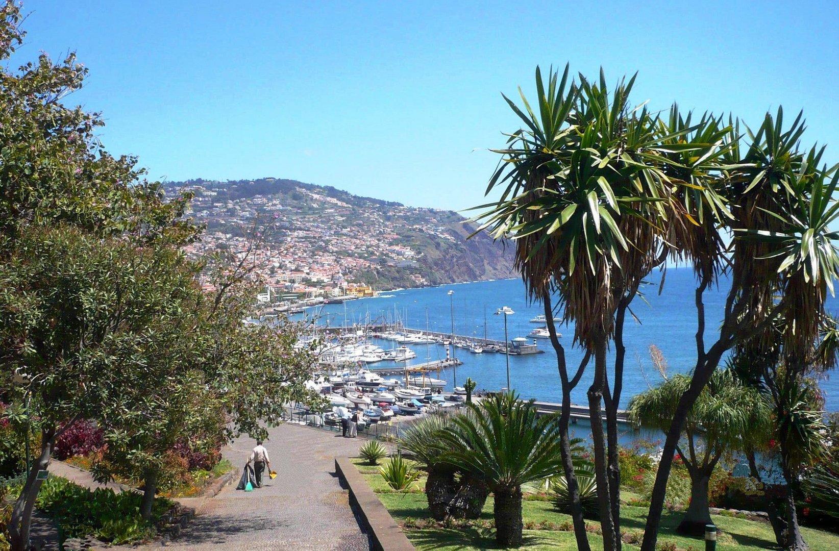 Madeira - Blick auf Funchal - Hafen