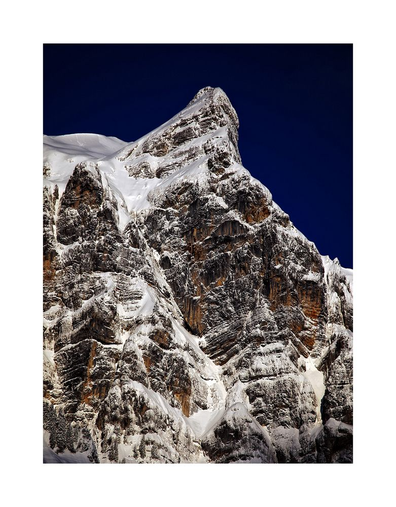 - mächtiger Berg -