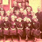 Mädchen bei der Erstkommunion  ca. 1915