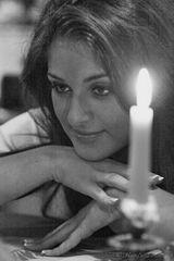 Maedchen im Kerzenschein (SW)