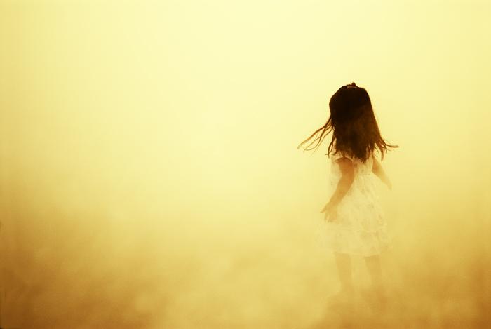 mädchen im nebel