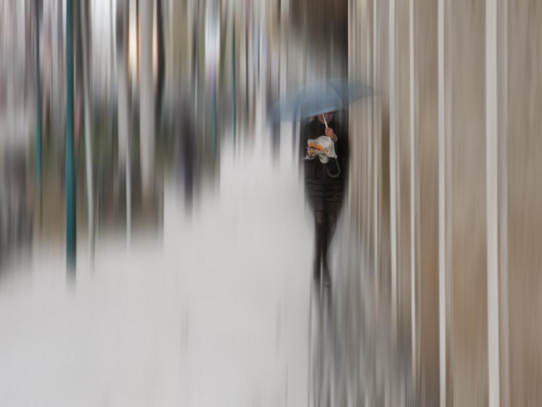 Mädchen im Regen 2